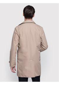 Beżowy płaszcz przejściowy