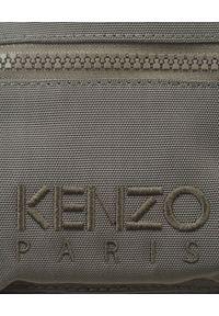 Kenzo - KENZO - Plecak mini Kampus Tiger w kolorze khaki. Kolor: szary. Wzór: haft