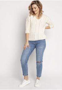 MKM - Delikatny Sweterek Zdobiony Warkoczami - Ecru. Materiał: akryl. Wzór: aplikacja