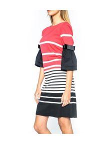 CRISTINAEFFE - Sukienka w paski. Typ kołnierza: kokarda. Kolor: czarny. Wzór: paski. Długość: mini