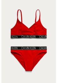 Czerwony strój dwuczęściowy Calvin Klein z odpinanymi ramiączkami, z nadrukiem