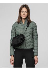 Zielona kurtka zimowa 4f ze stójką
