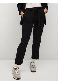 mango - Mango Spodnie materiałowe Semiflu 87012885 Czarny Regular Fit. Kolor: czarny. Materiał: materiał
