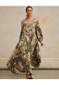 BY CABO - Maxi sukienka z nadrukiem Piemonte. Typ kołnierza: dekolt na plecach. Kolor: zielony. Materiał: wiskoza. Wzór: nadruk. Długość: maxi