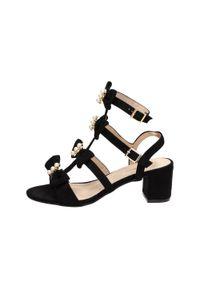 Czarne sandały Sabatina