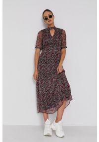 Vero Moda - Sukienka. Materiał: tkanina, poliester. Długość rękawa: krótki rękaw. Typ sukienki: rozkloszowane
