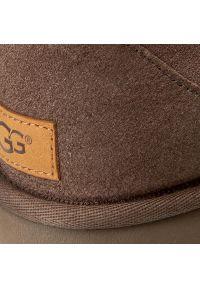 Ugg - Buty UGG - W Classic Mini II 1016222 W/Cho. Kolor: brązowy. Materiał: skóra, zamsz. Szerokość cholewki: normalna