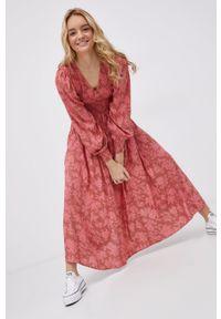 Y.A.S - Sukienka. Kolor: różowy. Materiał: tkanina, wiskoza, materiał. Typ sukienki: rozkloszowane