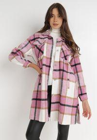 Born2be - Różowa Koszula Nemolis. Kolor: różowy. Materiał: tkanina, jeans. Długość: długie. Wzór: aplikacja