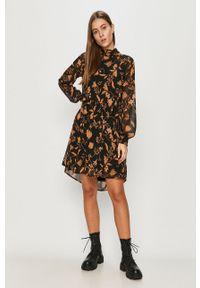 Czarna sukienka Vila w kwiaty, casualowa