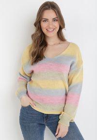 Różowy sweter Born2be
