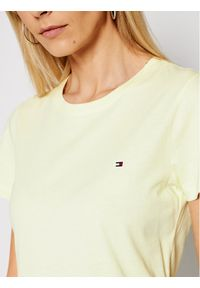 TOMMY HILFIGER - Tommy Hilfiger T-Shirt WW0WW27735 Żółty Regular Fit. Kolor: żółty