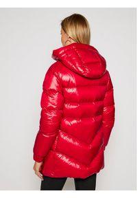 Czerwona kurtka puchowa Woolrich
