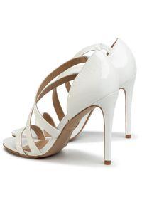 Białe sandały Eva Longoria eleganckie