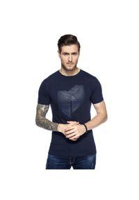 Niebieski t-shirt Giacomo Conti na wiosnę, w kolorowe wzory
