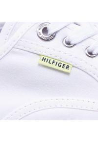 Tenisówki TOMMY HILFIGER - Elevated Seasonal Neon Vulc FM0FM03617 White YBR. Kolor: biały. Materiał: materiał
