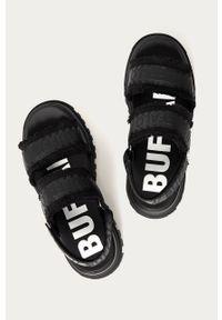 Czarne sandały Buffalo na rzepy, na obcasie, na średnim obcasie