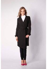 Czarny płaszcz Nommo elegancki