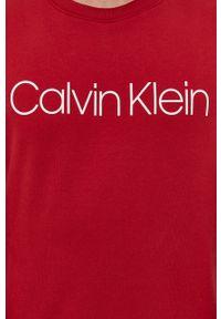Czerwona bluza nierozpinana Calvin Klein melanż, bez kaptura