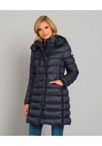 MONCLER - Granatowy płaszcz Hermine. Kolor: niebieski. Materiał: puch, materiał, wełna