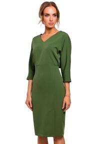 MOE - Ołówkowa sukienka ze zbluzowaną górą i dekoltem V. Typ kołnierza: dekolt w kształcie V. Materiał: materiał, elastan. Typ sukienki: ołówkowe