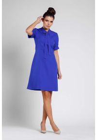Niebieska sukienka wizytowa Nommo wizytowa