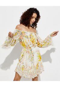 Camilla - CAMILLA - Sukienka z odkrytymi ramionami. Okazja: na co dzień. Kolor: żółty. Materiał: jedwab. Wzór: kwiaty, aplikacja. Typ sukienki: z odkrytymi ramionami. Styl: casual. Długość: mini