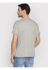 Vistula T-Shirt Chumvi XA1090 Szary Regular Fit. Kolor: szary