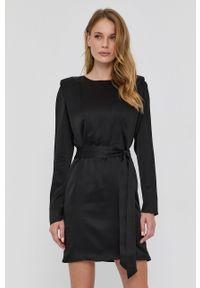 TwinSet - Twinset - Sukienka. Okazja: na co dzień. Kolor: czarny. Materiał: tkanina. Długość rękawa: długi rękaw. Wzór: gładki. Typ sukienki: proste. Styl: casual