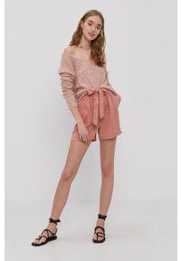 Vero Moda - Szorty. Kolor: różowy. Materiał: materiał, tkanina, jedwab, lyocell. Wzór: gładki