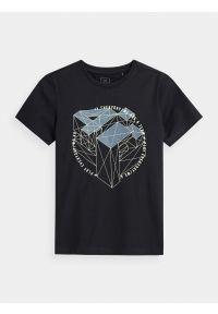 4f - T-shirt z nadrukiem fluorescencyjnym chłopięcy. Kolor: niebieski. Materiał: bawełna, dzianina, materiał. Wzór: nadruk