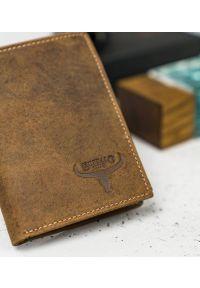 BUFFALO WILD - Skórzany portfel męski j. brązowy Buffalo Wild RM-06-HBW TAN. Kolor: brązowy. Materiał: skóra
