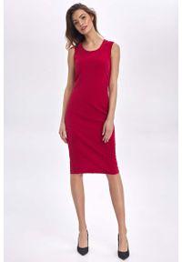 Nife - Czerwona Klasyczna Dopasowana Sukienka bez Rękawów. Kolor: czerwony. Materiał: poliester, wiskoza, elastan. Długość rękawa: bez rękawów. Styl: klasyczny