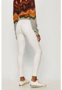 Białe jeansy TALLY WEIJL w kolorowe wzory