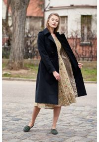 Marie Zélie - Trencz Adria bawełna z elastanem czarny. Kolor: czarny. Materiał: bawełna, elastan. Sezon: lato. Styl: klasyczny #3