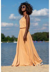 e-margeritka - Sukienka maxi z bawełny na ramiączkach - sand, 38. Materiał: bawełna. Długość rękawa: na ramiączkach. Typ sukienki: rozkloszowane. Styl: wakacyjny. Długość: maxi