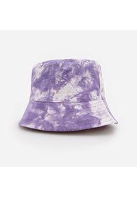 Fioletowy kapelusz Reserved