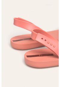 Różowe sandały Ipanema bez obcasa