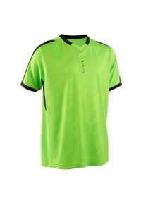 KIPSTA - Koszulka piłkarska dla dzieci Kipsta F520 z krótkim rękawem. Typ kołnierza: dekolt w kształcie V. Kolor: zielony. Materiał: poliester, elastan, materiał. Długość rękawa: krótki rękaw. Długość: krótkie. Sezon: lato. Sport: piłka nożna