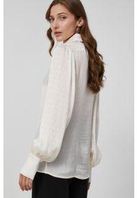 Victoria Victoria Beckham - Koszula. Okazja: na co dzień. Kolor: beżowy. Materiał: tkanina, materiał. Długość rękawa: długi rękaw. Długość: długie. Styl: casual