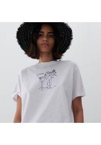 Reserved - Bawełniany t-shirt z nadrukiem - Biały. Kolor: biały. Materiał: bawełna. Wzór: nadruk