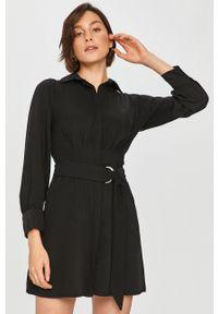 Czarna sukienka Answear Lab mini, z długim rękawem, na co dzień