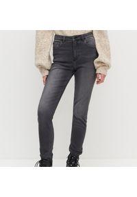 Szare jeansy Reserved z podwyższonym stanem
