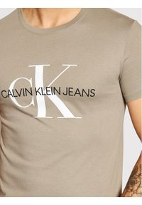 Calvin Klein Jeans T-Shirt J30J317065 Szary Slim Fit. Kolor: szary