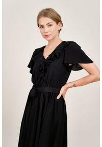 Marie Zélie - Sukienka Eulalia wiskoza czarna. Kolor: czarny. Materiał: wiskoza. Długość rękawa: krótki rękaw. Długość: midi