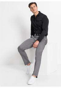 Koszula ze stretchem z delikatnie połyskującego materiału, Slim Fit bonprix czarny. Kolor: czarny. Materiał: materiał. Długość rękawa: długi rękaw. Długość: długie