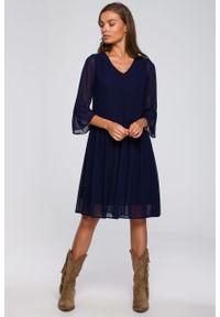 e-margeritka - Sukienka szyfonowa odcinana w pasie granatowa - xl. Kolor: niebieski. Materiał: szyfon. Typ sukienki: proste, rozkloszowane. Styl: elegancki