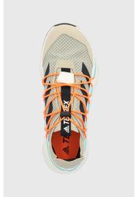 adidas Performance - Buty TERREX VOYAGER 21. Nosek buta: okrągły. Kolor: beżowy. Materiał: guma. Model: Adidas Terrex