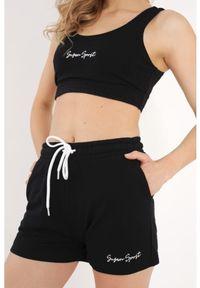 Susan Sport x Kuba Wojewódzki - Czarne shorty Susan Sport. Kolor: czarny. Materiał: bawełna, elastan, guma. Wzór: haft. Styl: sportowy