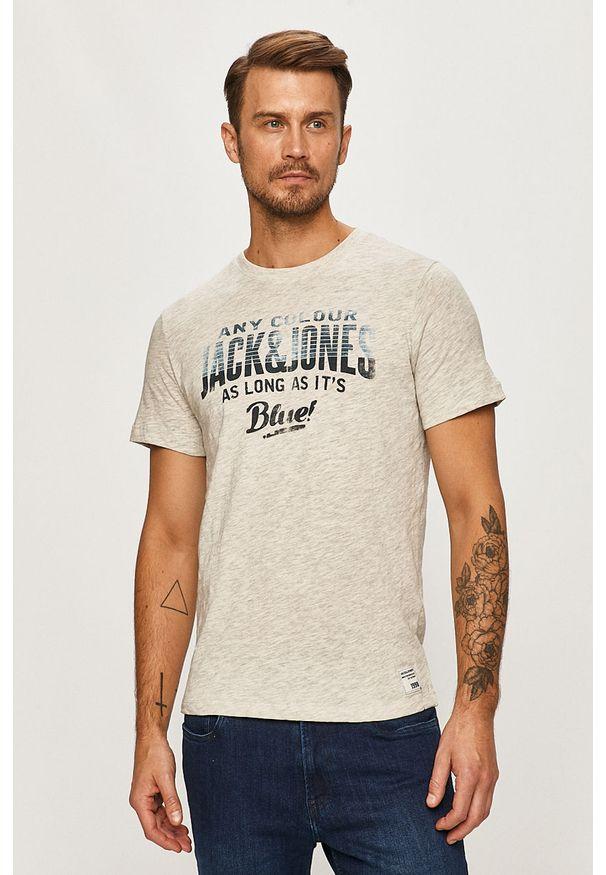 Szary t-shirt Jack & Jones casualowy, z nadrukiem, z okrągłym kołnierzem, na co dzień